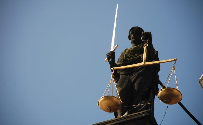 Wsparcie prawne – Kancelaria prawna oferuje porady prawne. Rada zawiera informacje z każdej gałęzi prawa.