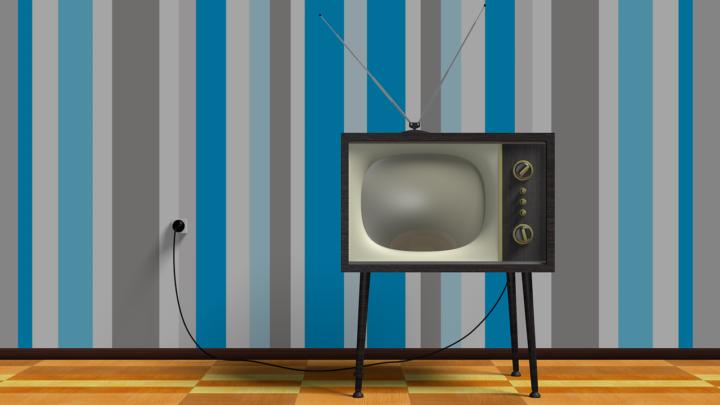 Wspólny wypoczynek przed telewizorem, czy też niedzielne serialowe popołudnie, umila nam czas wolny oraz pozwala się zrelaksować.